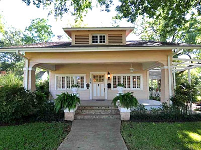 The Boren-Tumino-Purtee Home<br> 806 S. Broadway Ave.<br> 1908—Craftsmen Bungalow<br> Charnwood Residential District